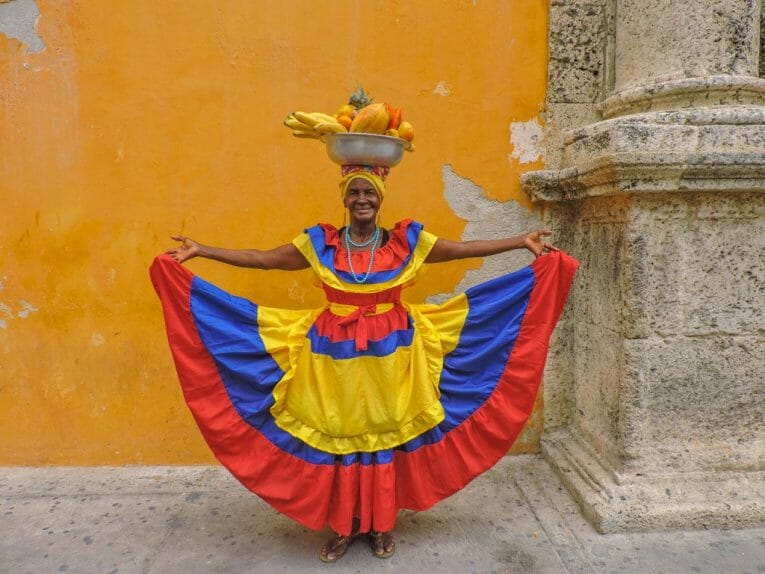 Things to do in Cartagena, Fruit Lady