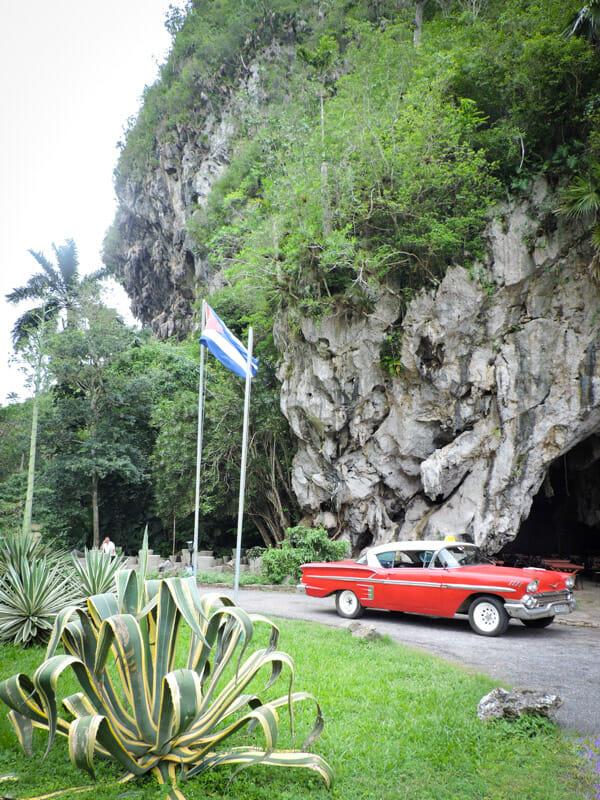 Cuba Car Mogote Vinales_