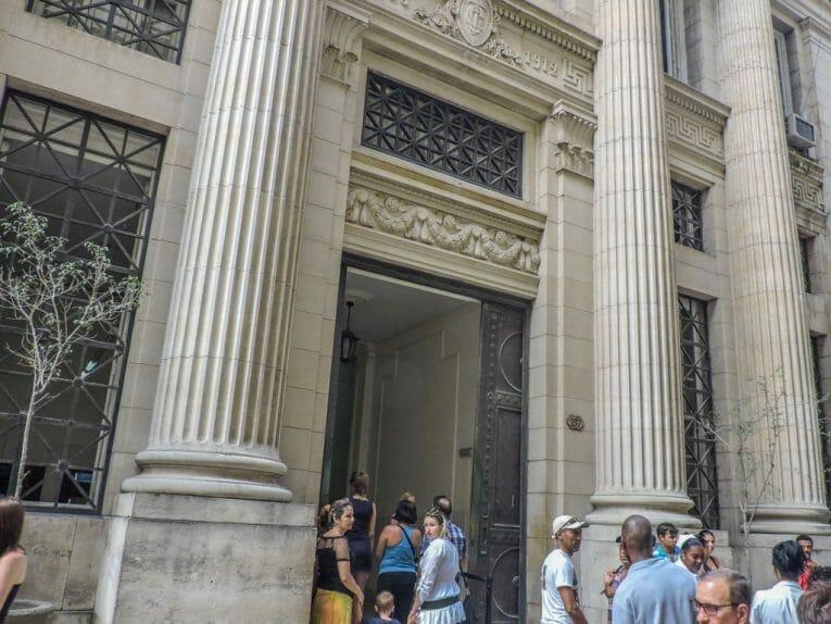 Bank in Havana I Cuban Currency_