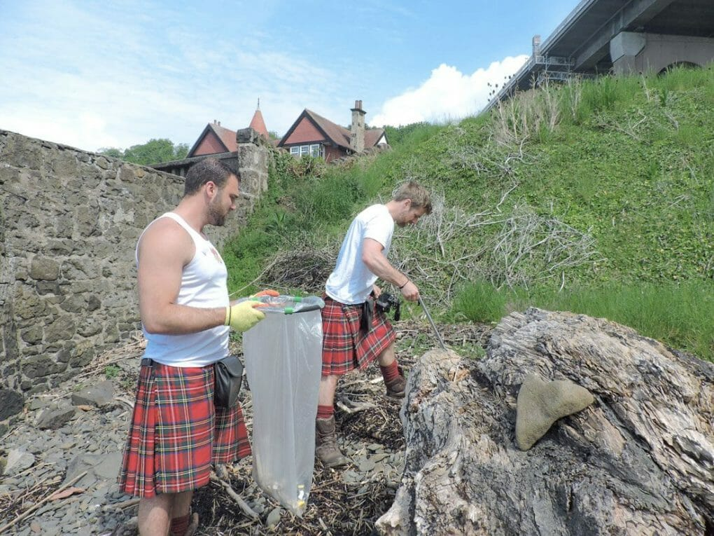 The Kilted Coaches Beach clean North Queensferry | Shore you care campaign