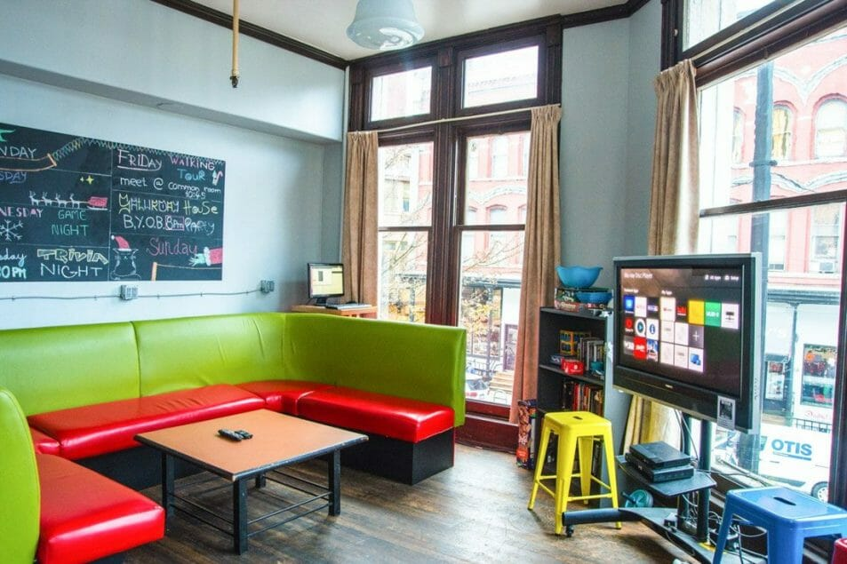 Cambie Gastown Vancouver Hostel Common Room