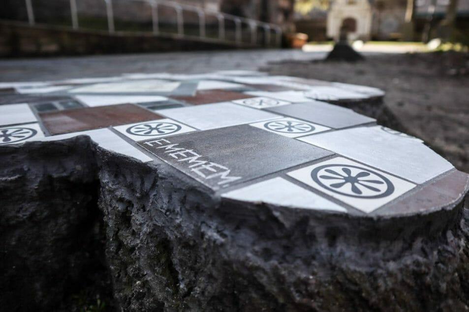 Ememem Nuart Aberdeen mosaic tiles on tree trunk