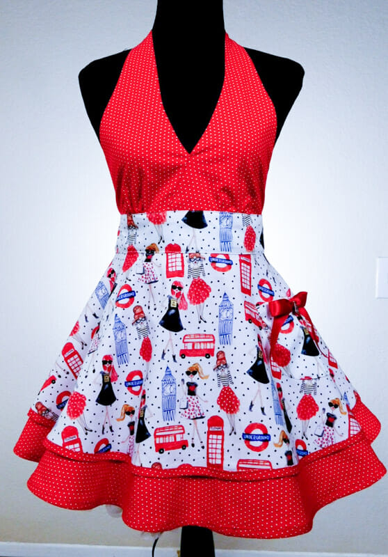 London print apron, red and white. Cute._
