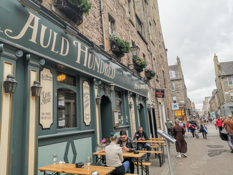 Auld House Pub Edinburgh Rose Street with people