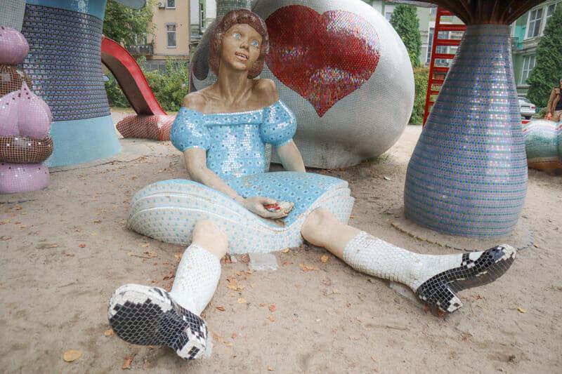 Park Landscape Alley Alice in Wonderland_