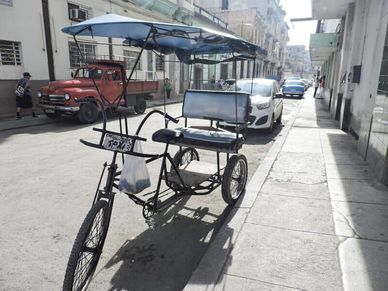 Tuk Tuk with cover Havana street