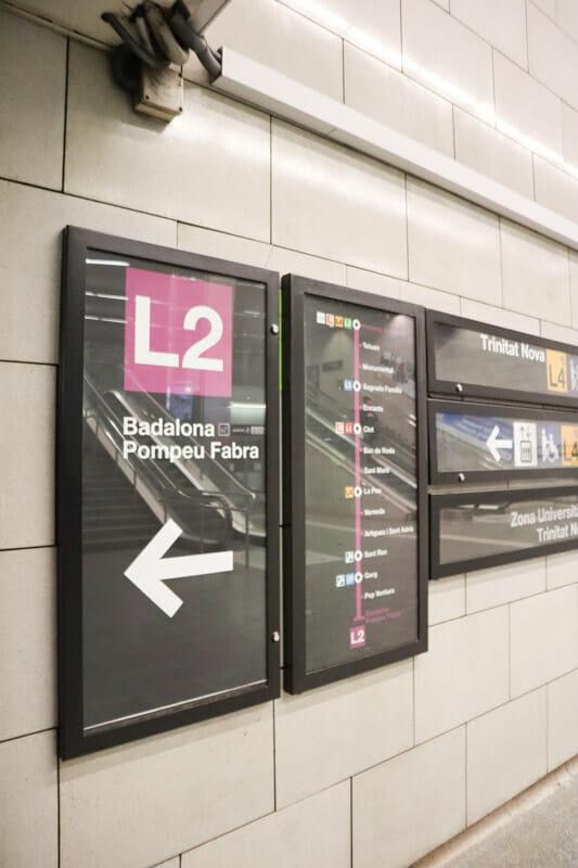 Barcelona Metro Signs