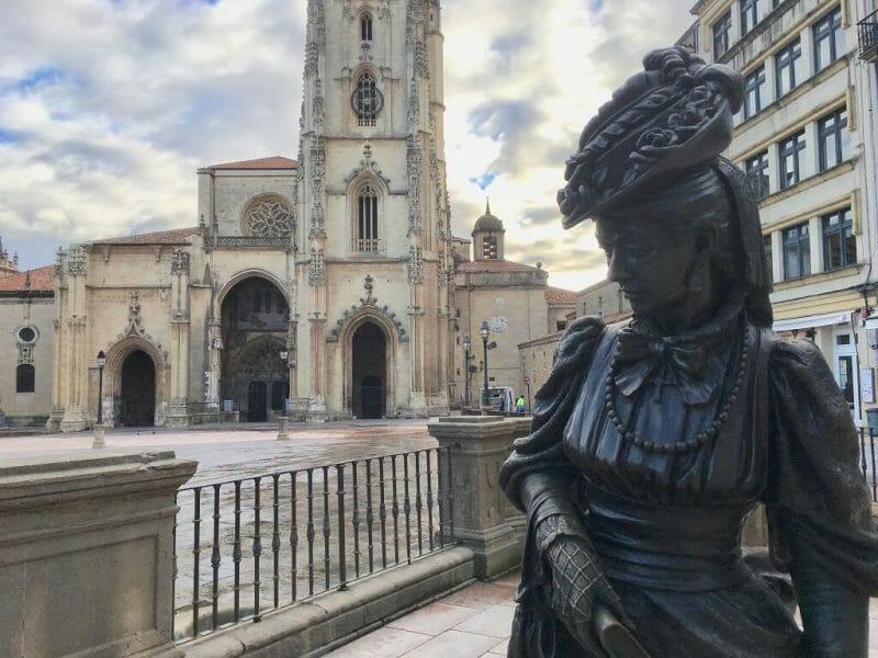 Oviedo, Asturias statue