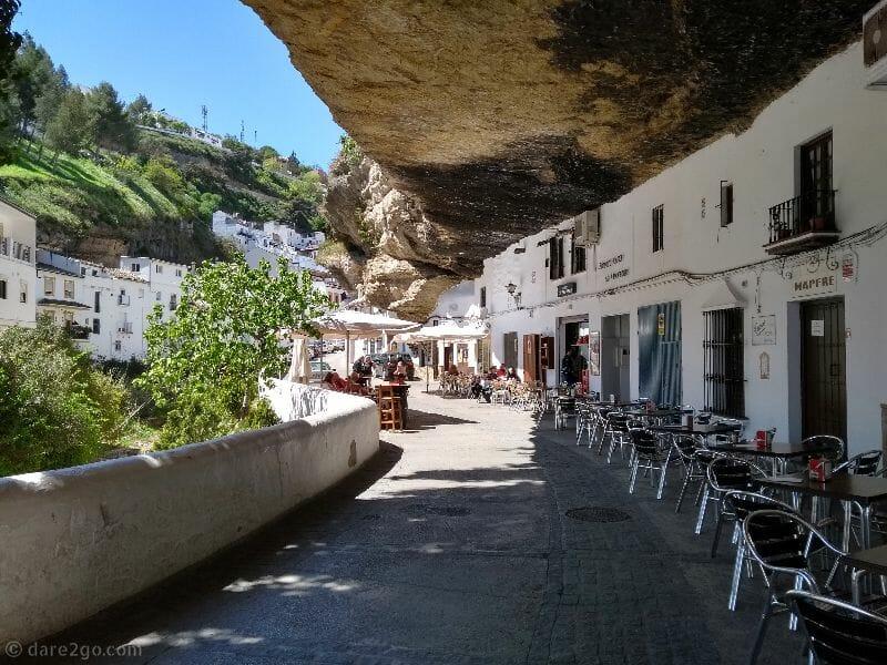dare2go-white-village-Setenil-de-las-Bodegas