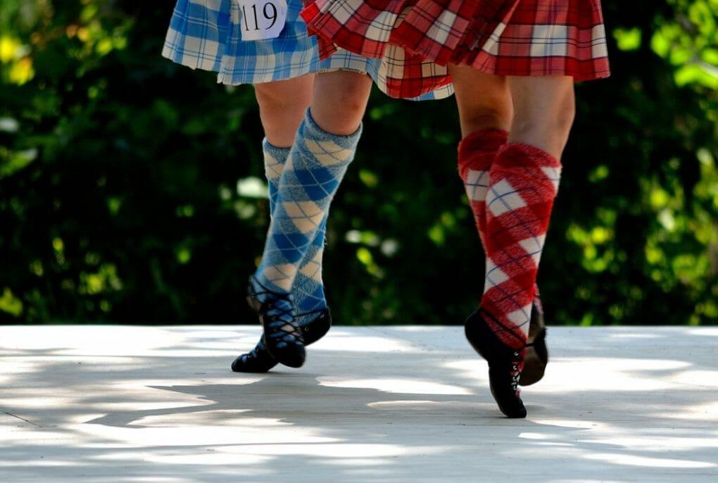 Highland Dancers in kilts.jpg