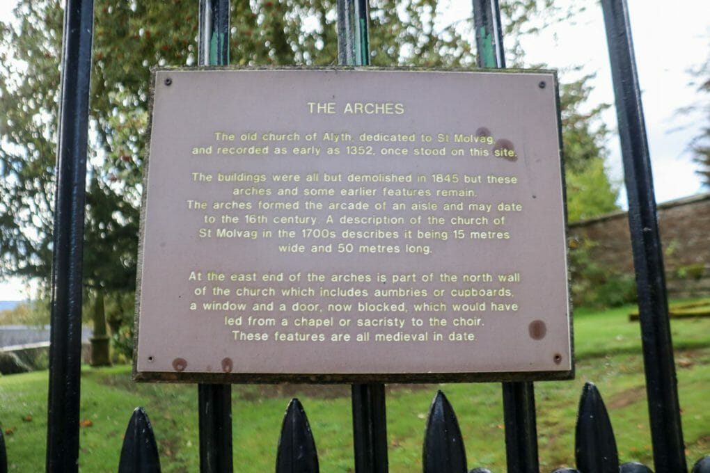 Alyth The Arches Sign